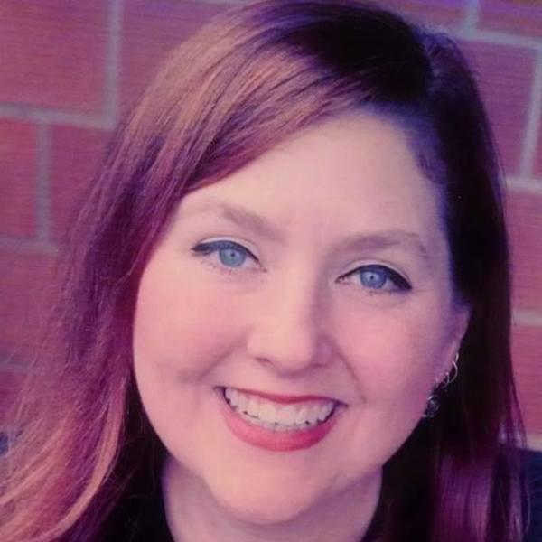 Tara johnson medinger headshot 1